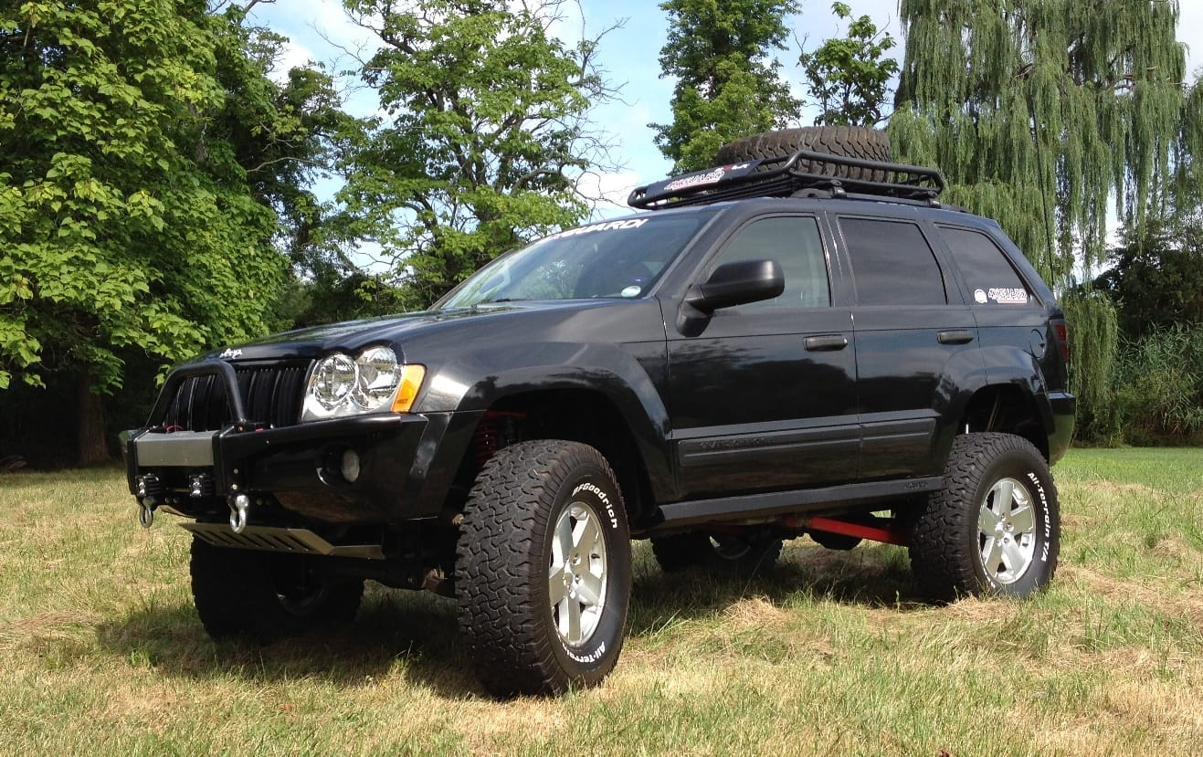 "Jeep Grand Cherokee w/ 8"" lift kit"
